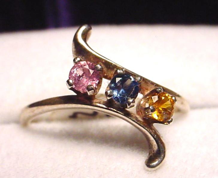 Montana Sapphire 3 Stone Swirl Ring