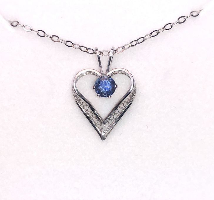 Montana Sapphire 4mm Lacy Heart Solitaire Pendant