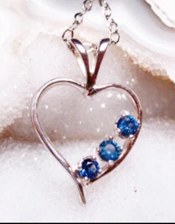 Montana sapphire 3 stone open heart pendant