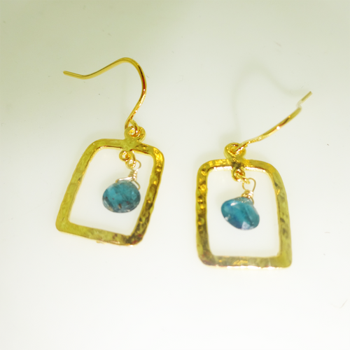 14K Yellow Gold Apatite Hammered Rectangle Drop Earring, Hammered Handmade Gemstone Earring, Apatite Gem earring, Modern Hammered Earring