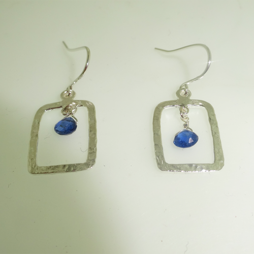 925 Sterling Silver Rectangle Hammered Kyanite Drop Earring, Silver Hammered Kyanite Gemstone Earring, Modern Handmade Silver Earring, Kyanite Earring