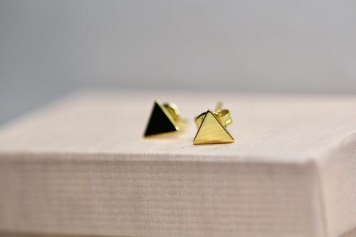 14K Yellow Gold Triangle Stud Earring