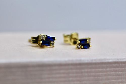 Gorgeous blue sapphire gemstone earring