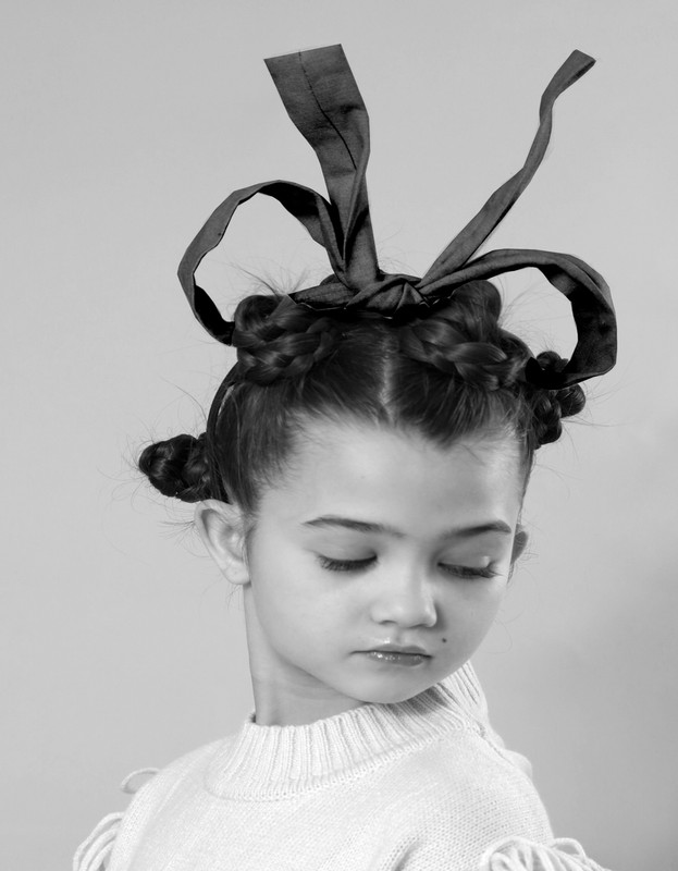 Topsy turvy bow Black