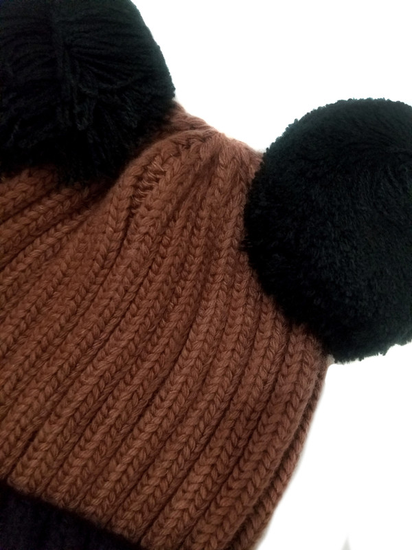 WARM EFFECT: keeps your head warm covering up the ears and keeps you cozy under the hat.