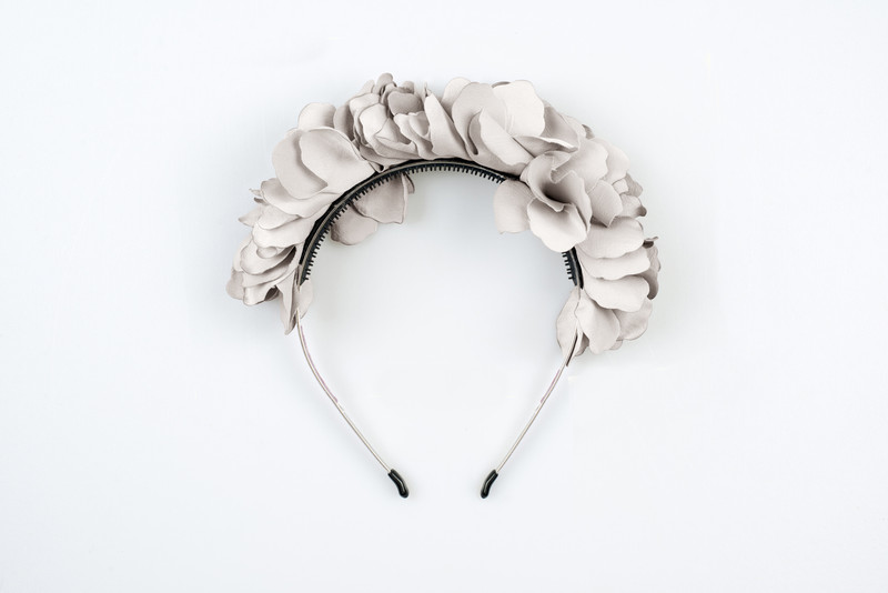 Flower Wreath Grey