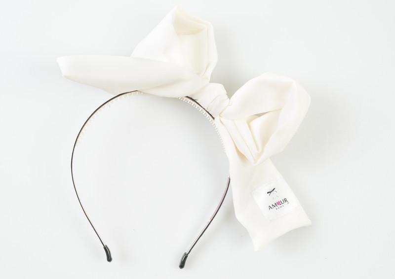 Signature Present Bow White