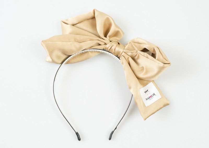 Signature Present Bow Gold