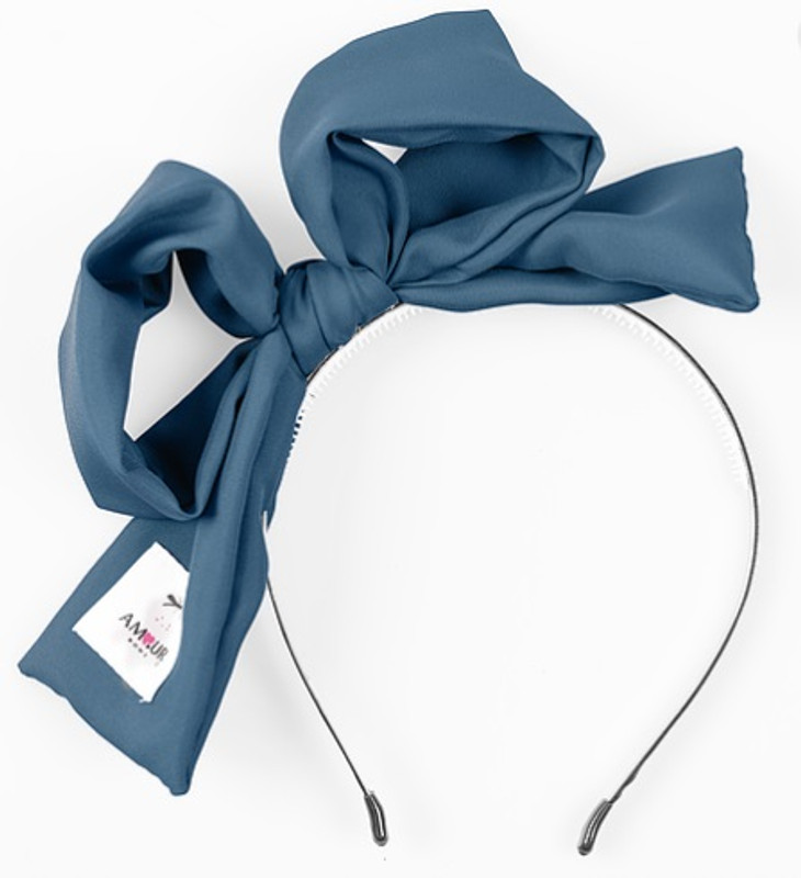 Signature Present Bow Blue