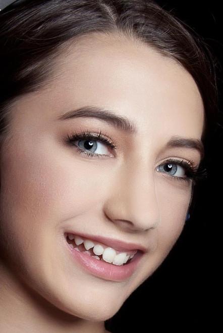 Softening lip gloss - Wet-shine finish - Transparent coverage
