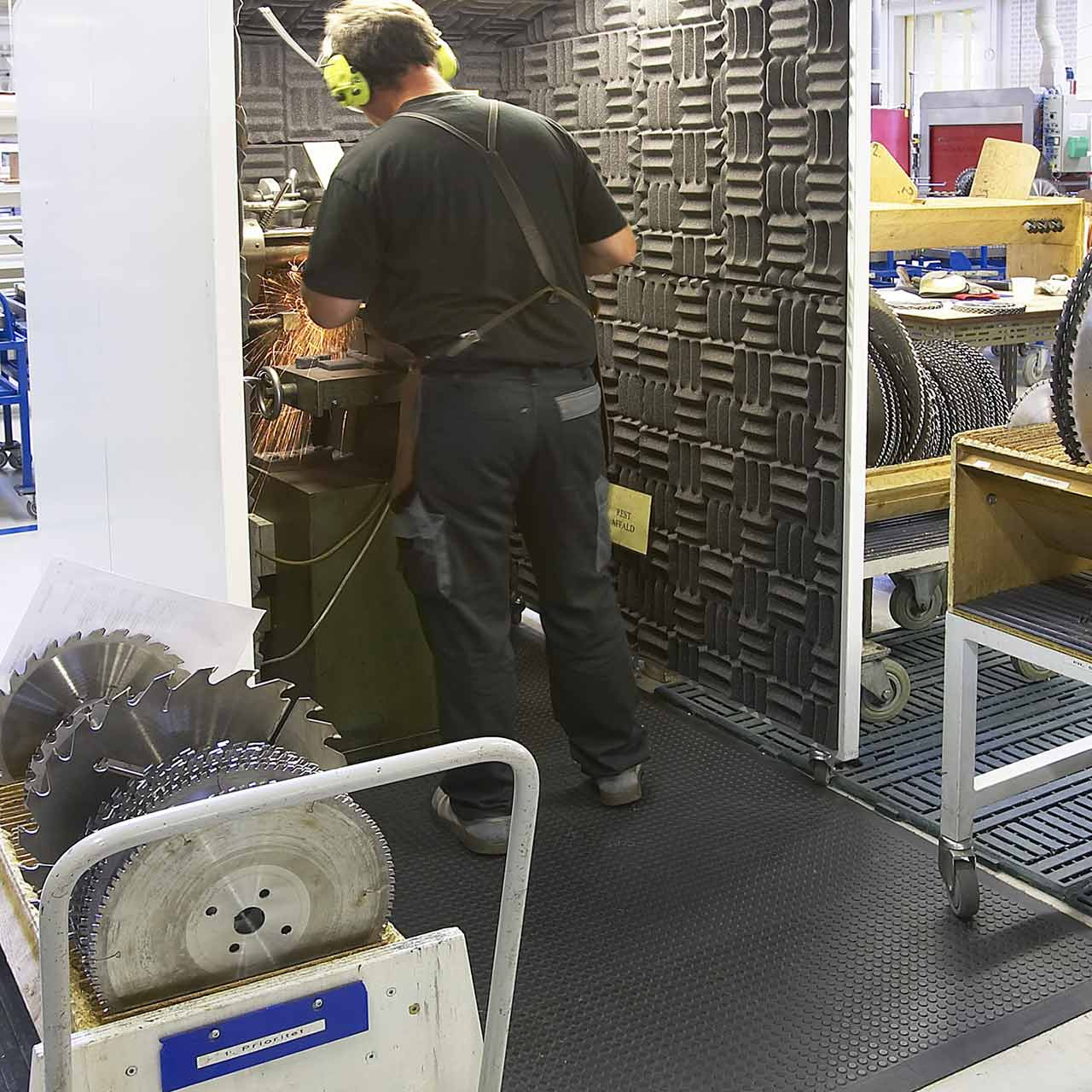 The Nitro matting works well in many environments, increasing safety from slips and falls
