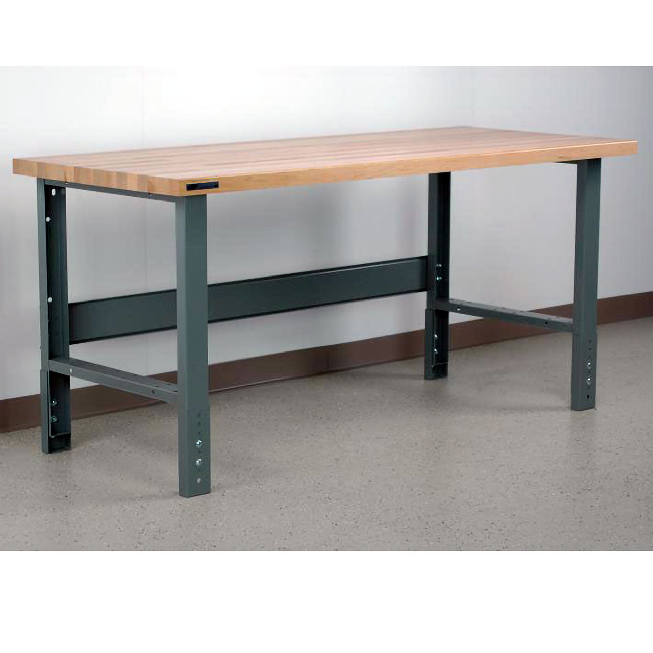 Manually Adjustable Height Workbench Maple Top
