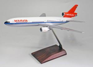 Viasa DC-10