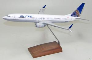 United B737 900S