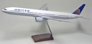 United B777-300