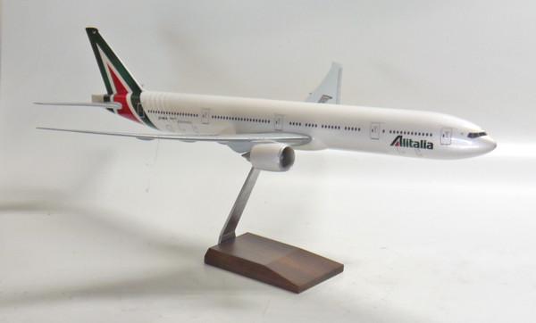 Alitalia 777-300