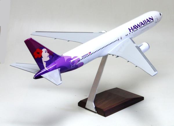 Hawaiian B767-300