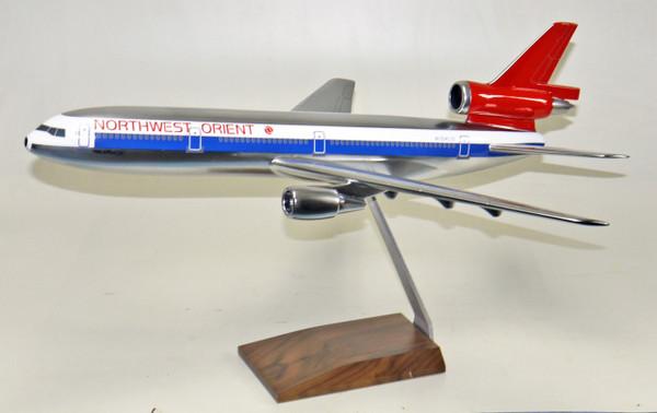 Northwest DC-10 (Chrome)