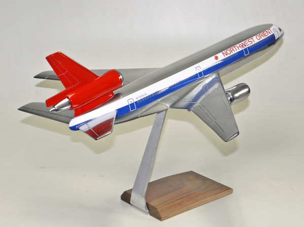Northwest DC-10 (Chrome)