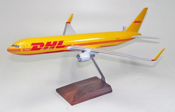 DHL B767-300