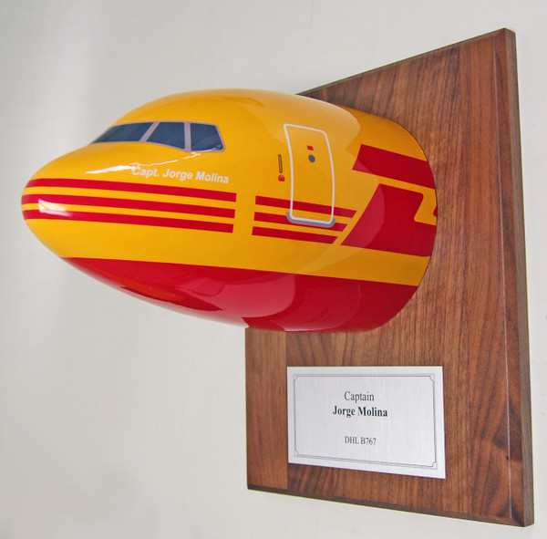 DHL B767 Nose