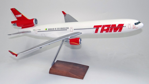 TAM MD-11