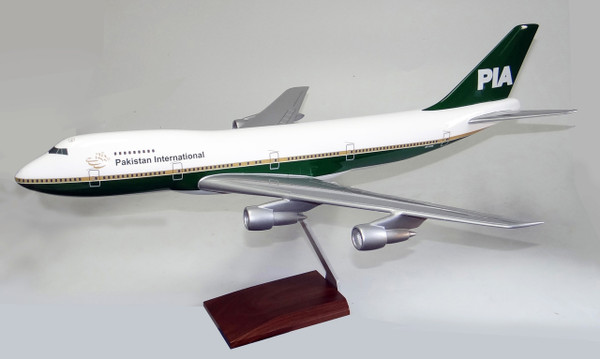 PIA B747-200