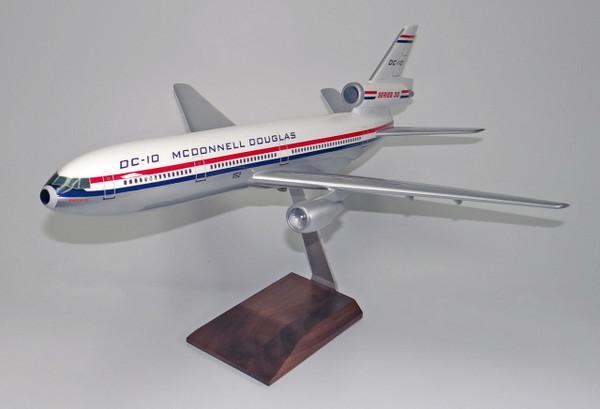 Douglas House DC-10