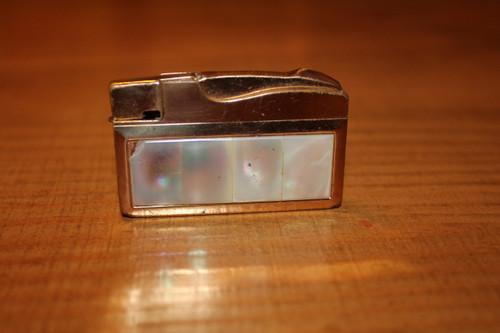 Vintage Elgin American Ladies Lighter