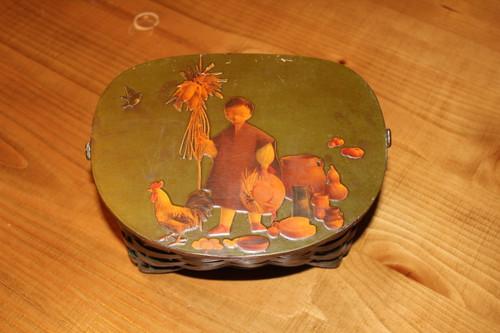 "Vintage ""Going to Market"" Wooden Straw Purse / Basket"