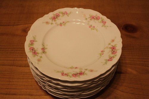"""Vintage Habsburg China Austria 8 1/2"""" Dinner Plates Pink Roses with Scalloped Edge, set of 9"""