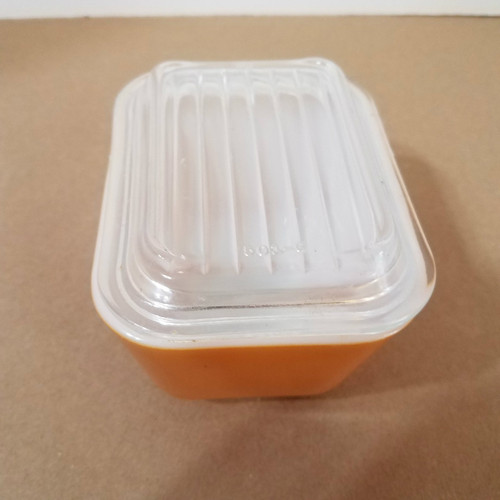 Vintage Gold Pyrex 0501 Refrigerator /Oven Dish with Cover 1 1/2 cups