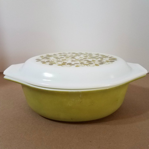 Vintage Pyrex 043 1 1/2 QT Snowflake Pattern Cover on Olive Oven Casserole Dish