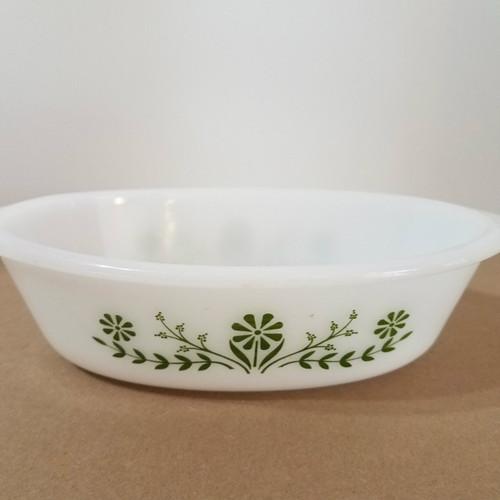Vintage Glasbake J235 1 QT Oval Casserole Green Daisy Pattern