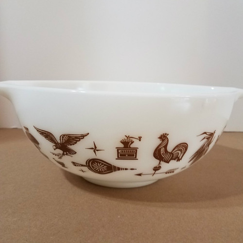 Vintage Pyrex 443 2 1/2 QT Mixing Bowl with Pour Handles Early American Rooster Pattern