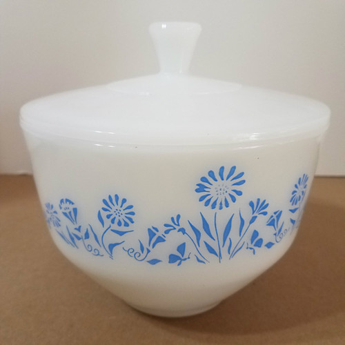 Vintage Fire King 1 1/2 QT Mixing Serving Bowl with Cover Blue Daisy Pattern
