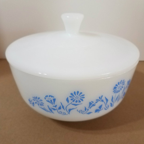 Vintage Fire King 2 1/2 QT Mixing Serving Bowl with Cover Blue Daisy Pattern