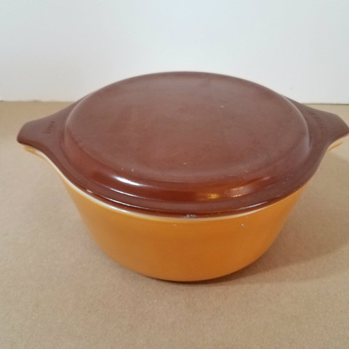 Vintage Pyrex 472 1 1/2 QT Two Tone Brown Covered Casserole Dish