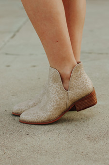 dallas booties  - the cutest booties perfect for fall, comes in cheetah or an abstract print!!