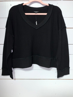 cute v-neck cropped sweaters in black and cream.