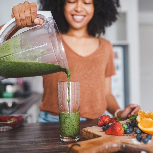 How to Build the Perfect Smoothie to Keep You Fuller Longer