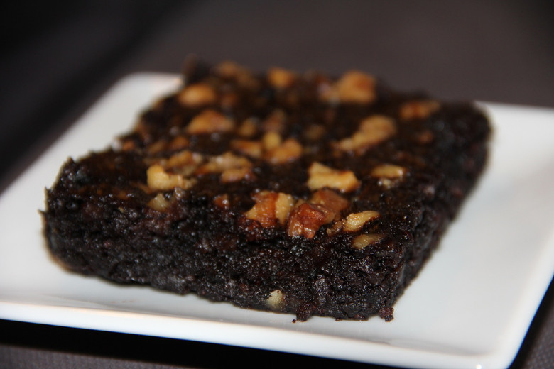 Baked Moist Chocolate Walnut Brownie
