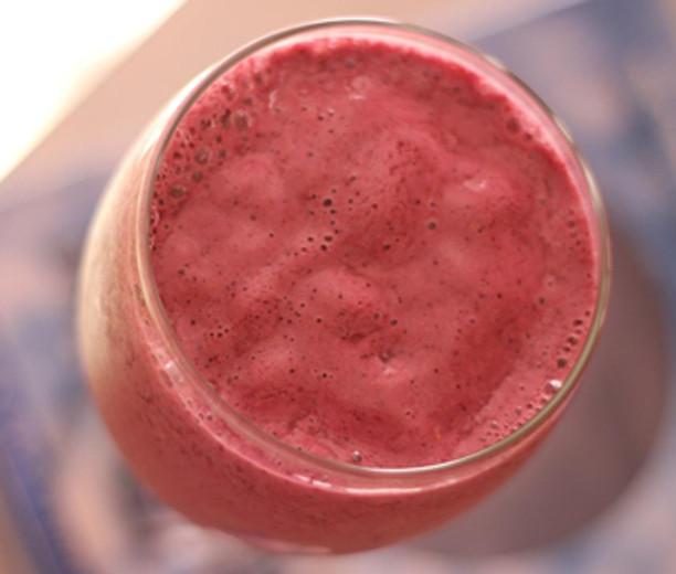 Raspberry Hemp Milk Smoothie