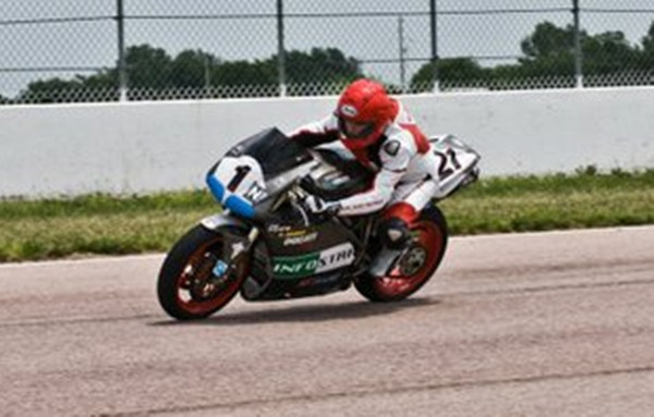 Customer pic of ms0020ls style suit on track