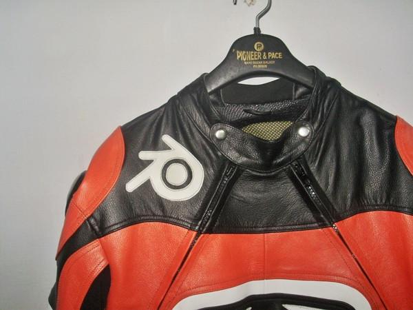 Nahast mootorratta ülikonna stiil MS0035LS oranž ja must värv kaela- ja kraepildil