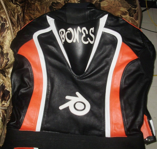 Leather motorcycle suit style MS0035LS orange and black colors back of suit picture