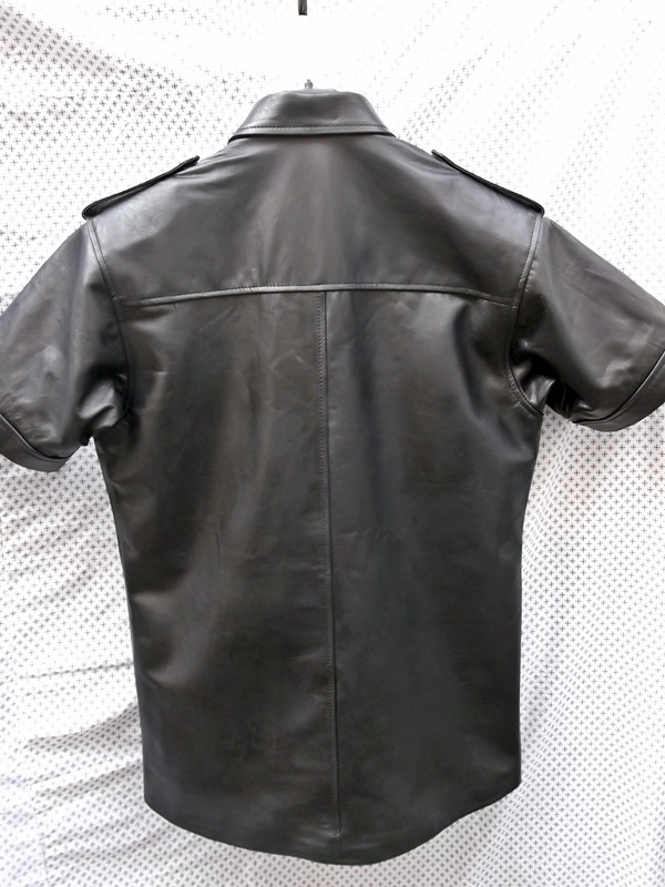 Leather shirt with short sleeves style LS205 custom made www.leather-shop.biz back of shirt image