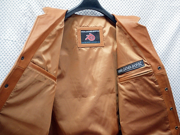 LEATHER VEST WESTERN STYLE MLV85 light brown shown WWW.LEATHER-SHOP.BIZ inside pic
