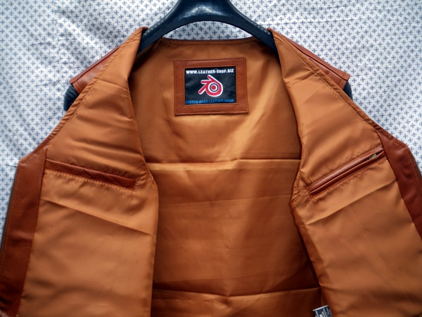 Mens leather vest style MLV099 www.leather-shop.biz inside pockets pic