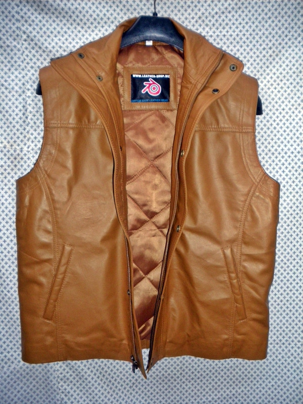 Long leather vest light brown MLVL11 www.leather-shop.biz front open pic